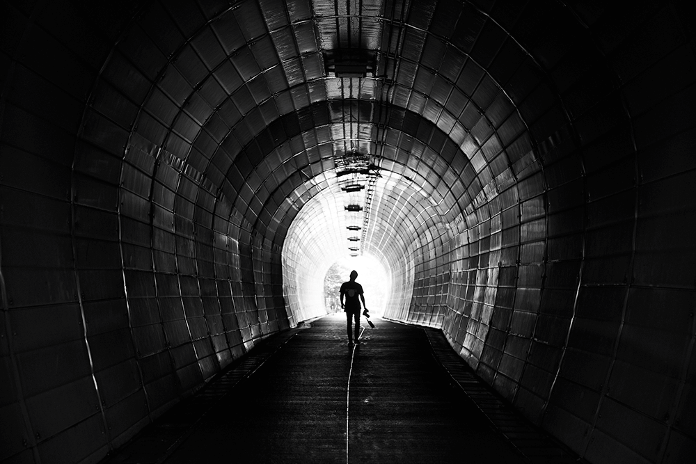 Image of Beren Hall in a tunnel with the EOS R.