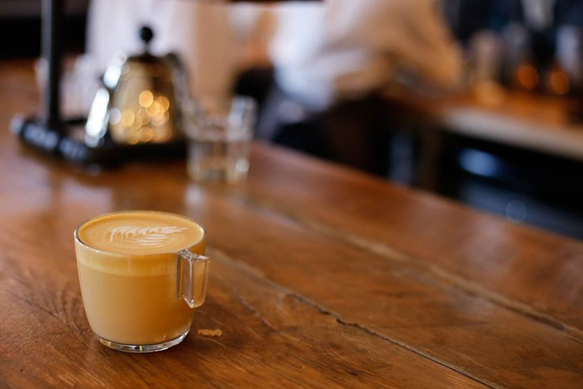 Image of a latte taken using EF 50mm f/1.8 STM