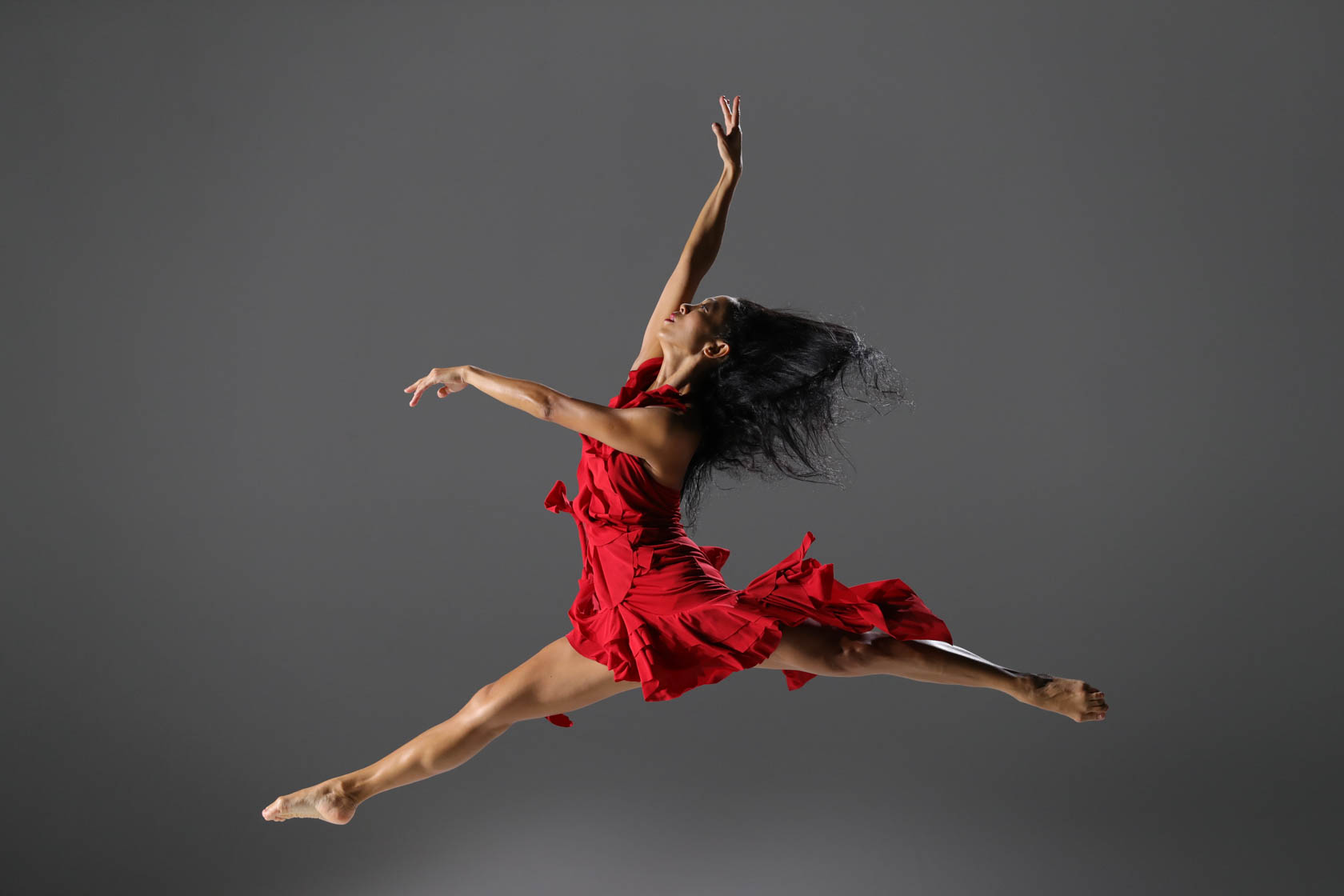 Dancer jumping taken with Canon EOS-1DX Mark II DSLR camera