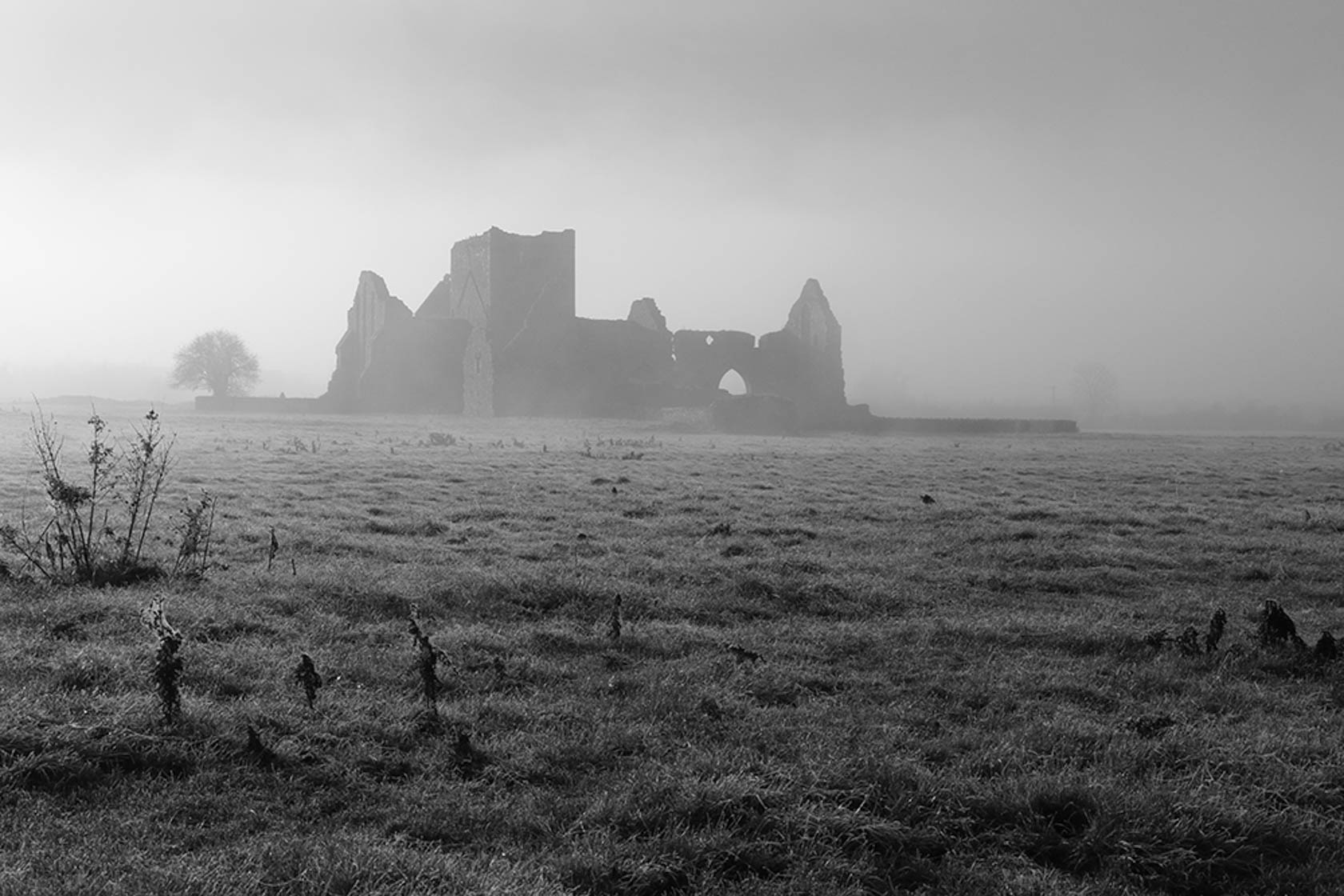 Ruins in a field in monochrome taken with the Canon EOS 760D digital SLR camera