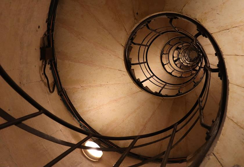 Image of sprial staircase taken with EOS M50