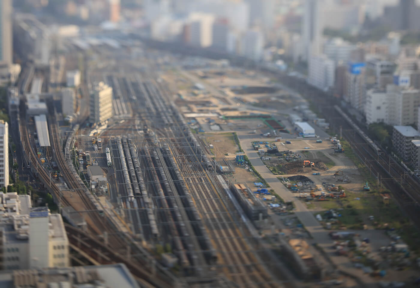 Train tracks sample image taken with TS E 90mm f 2 8L Macro Tilt Shift