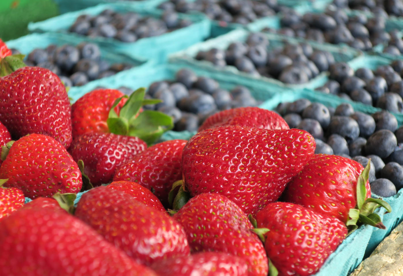 Strawberries and blueberries, taken on the Canon PowerShot G9 X digital camera