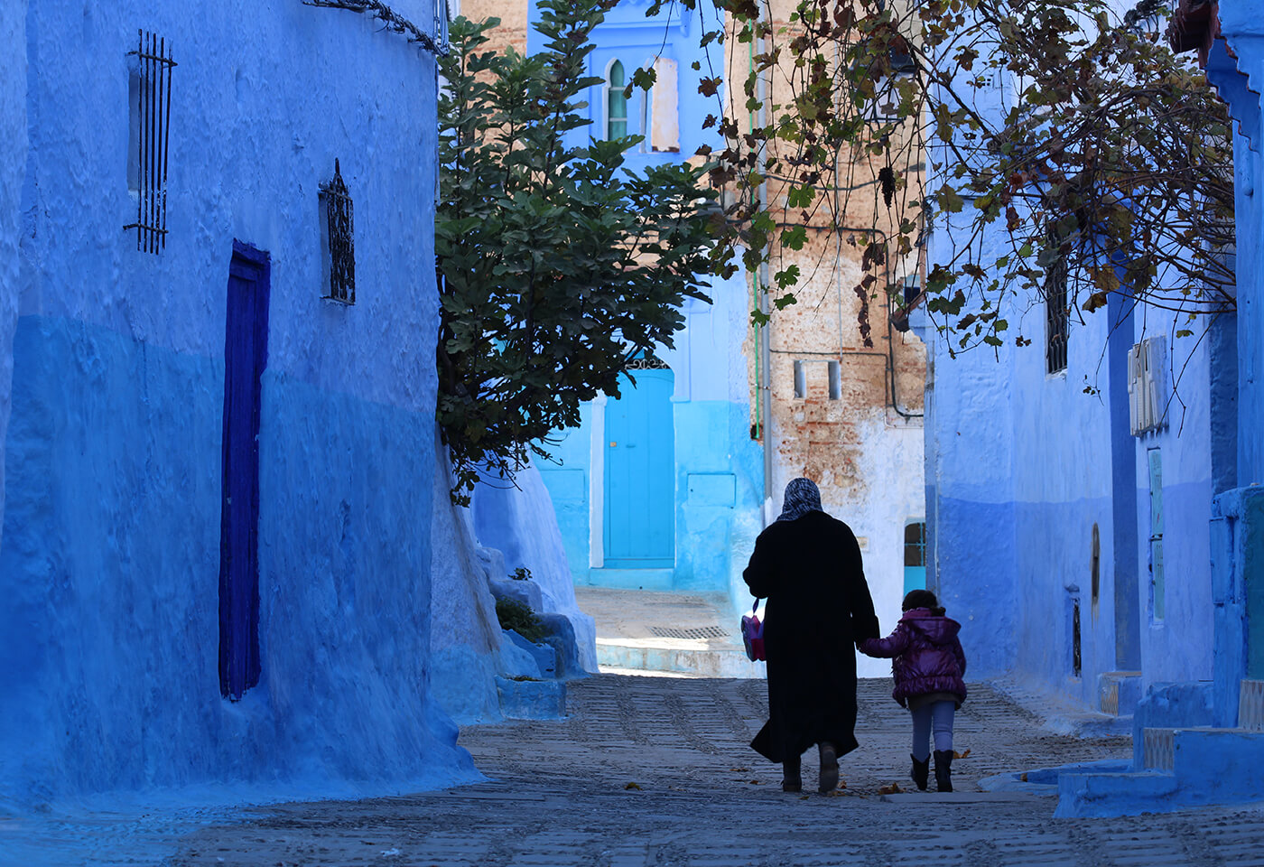 Image of blue alley taken with EOS 1500D