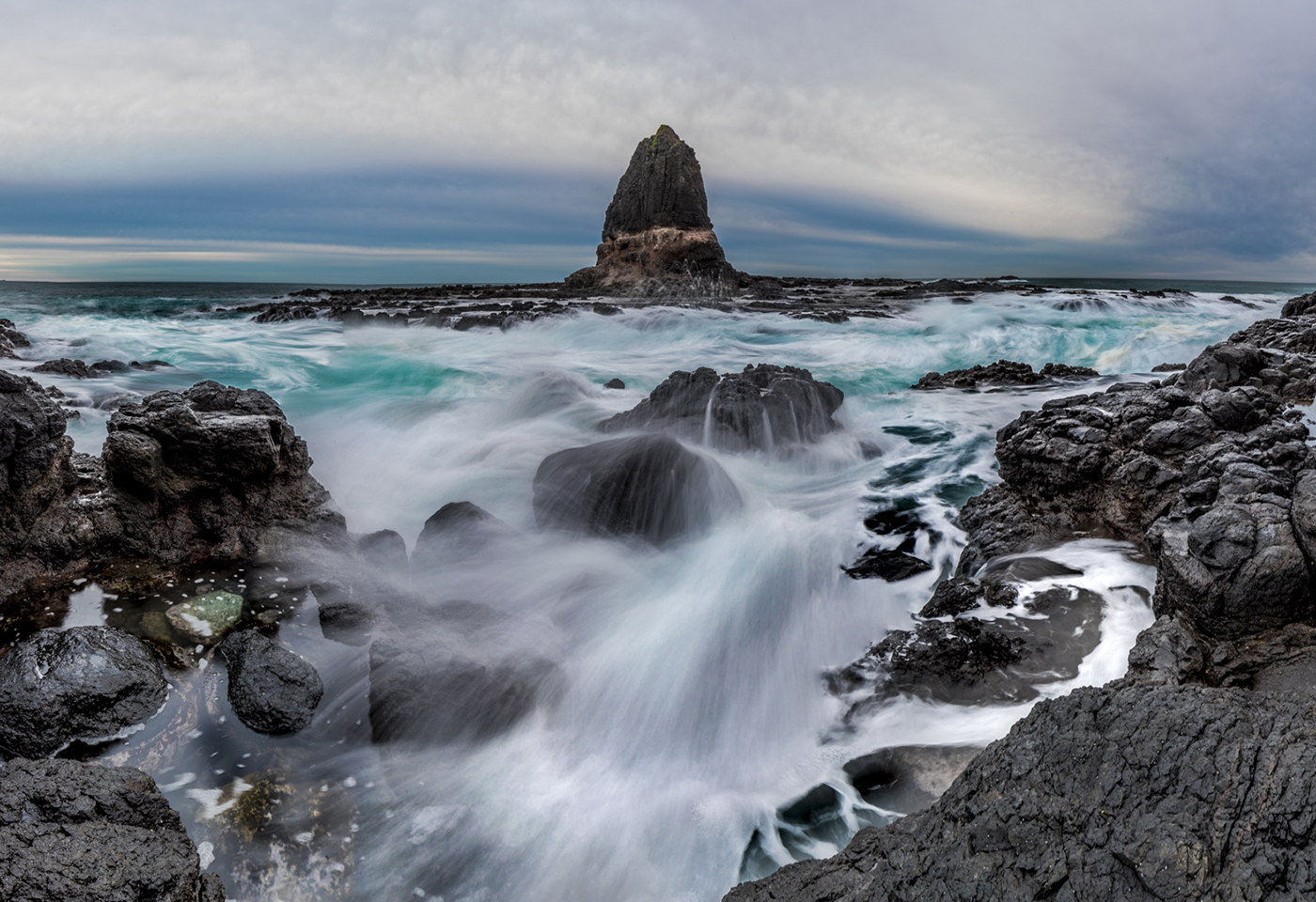 rock pool landscape image