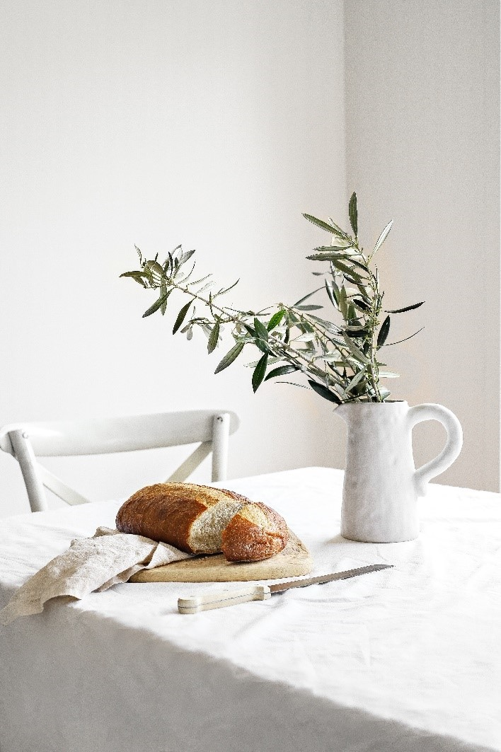 Lifestyle Product Photography of freshly baked bread