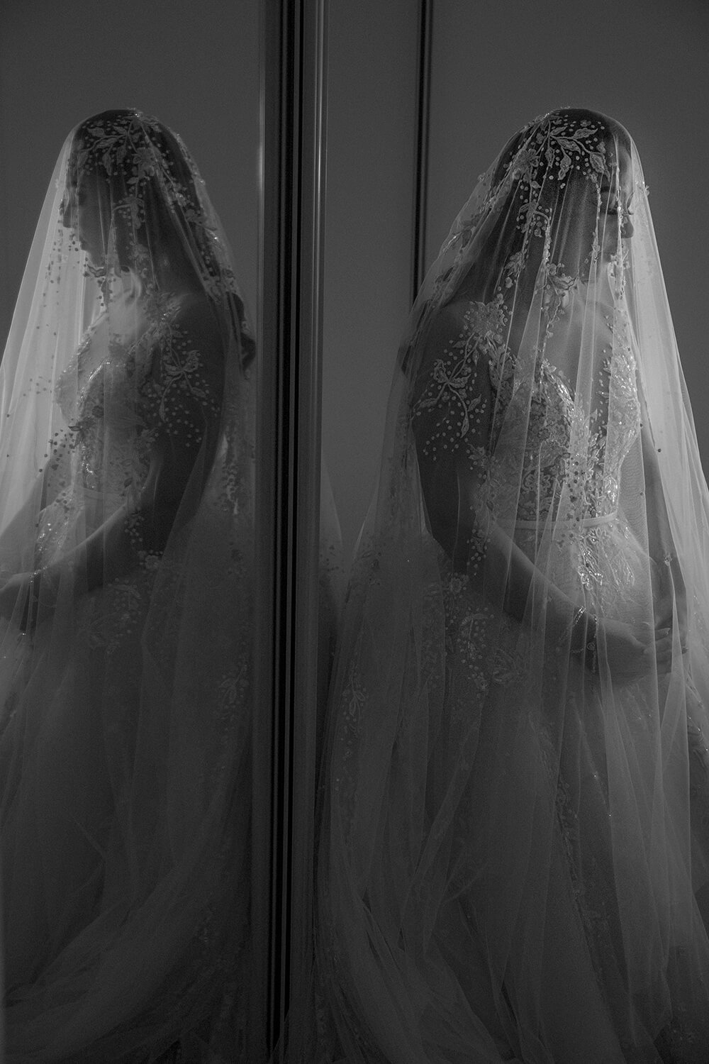 Reflection of bride photo by Canon Master Ryan Schembri