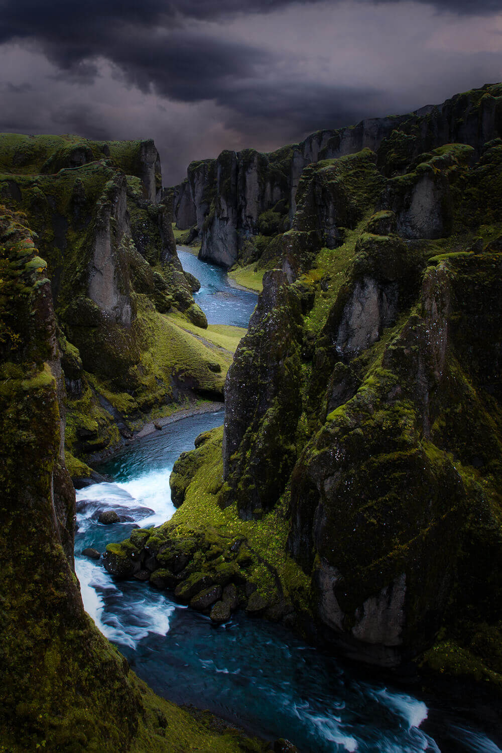 Photo of Fjaðrárgljúfur Canyon. Shot by Steph Vella