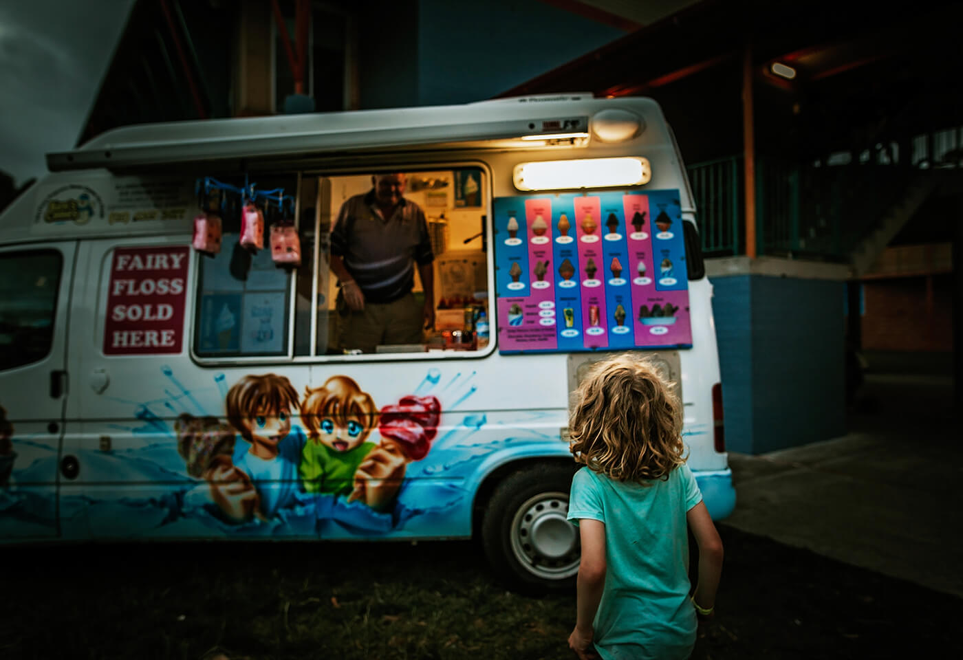 Image of child at ice cream truck