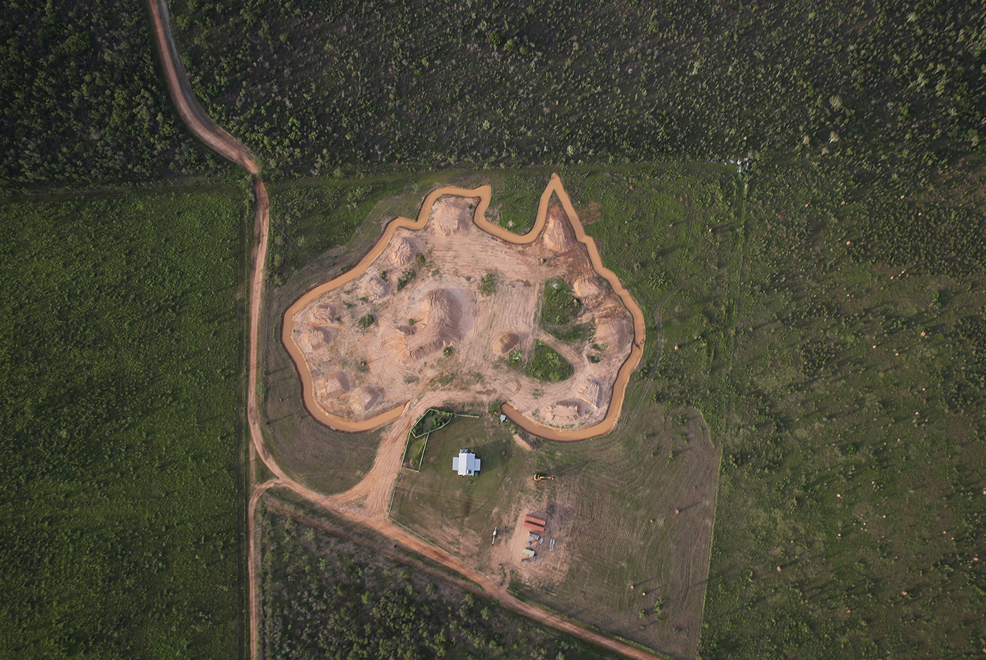 "Aerial photo of Matt Wright's resort ""Australia"""